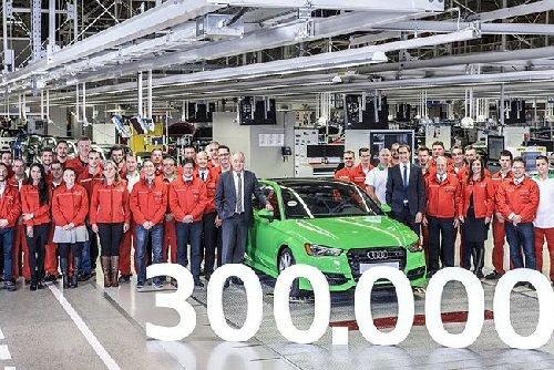 Elkészült a háromszázezredik autó az Audi Hungaria Motor Kft.-nél